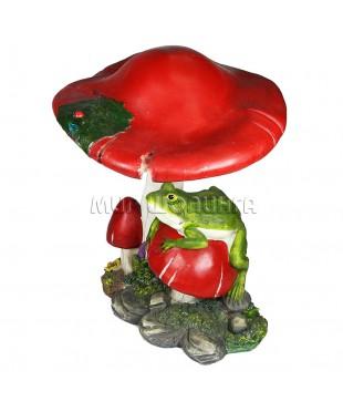 Лягушка под грибом 34 см.