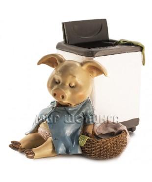 Свинья у стиральной машинки 9*8*11 см.