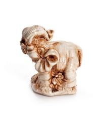 Слон с поднятым хоботом (цвет кость) 5 см.