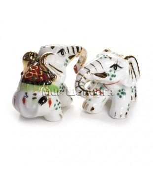 Два слона белые (фарфор) 4,5*4*7 см.