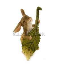 Заяц с листком-гитарой  9 см.