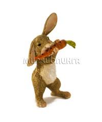 Заяц с морковкой 10 см.