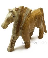 Лошадь из оникса, высота 16 см.