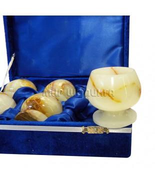 6 бокалов из оникса в бархатной коробке 6*6 см.