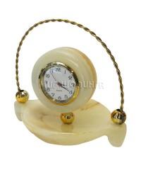 Часы корзинка из оникса 9,5*10*7,5 см.