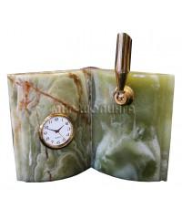 Часы, подставка для ручек из оникса 14*14,5 см.