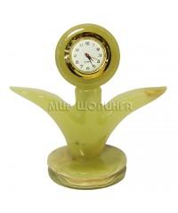 Часы из оникса 10*10*5 см.