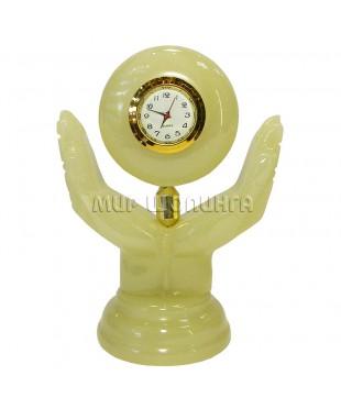 Часы из оникса 12*8*5 см.
